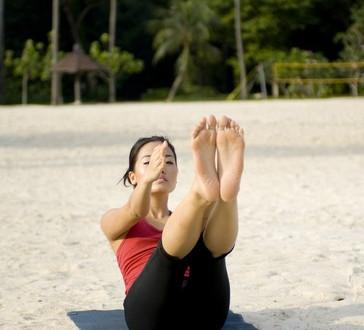 photodune-347694-exercise-on-beach-xs