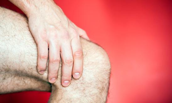 photodune-3795313-running-knee-injury-xs