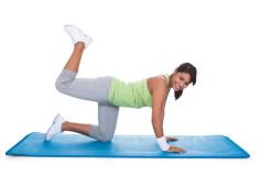 photodune-4796194-woman-exercising-buttocks-xs
