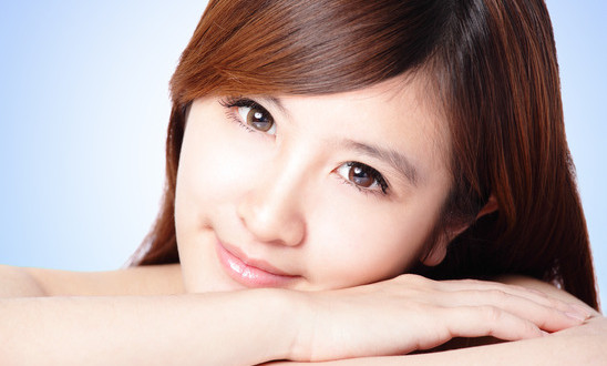 photodune-4411486-attractive-woman-smile-face-with-clean-skin-xs
