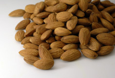 photodune-4005092-almond-seed-dry-fruit-xs