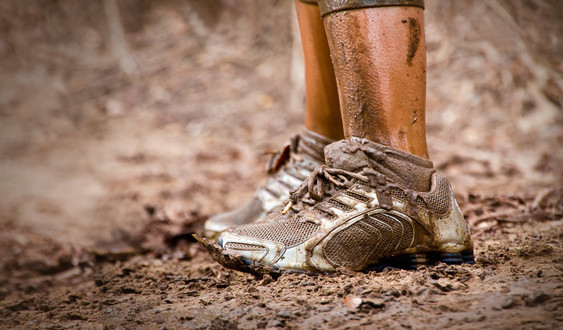 photodune-4935067-mud-race-runners-muddy-feet-xs