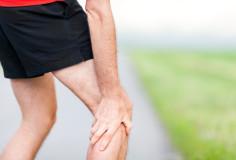 photodune-4942148-runner-leg-and-muscle-pain-during-running-training-outdoors-xs