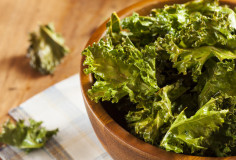 photodune-5091683-homemade-organic-green-kale-chips-xs