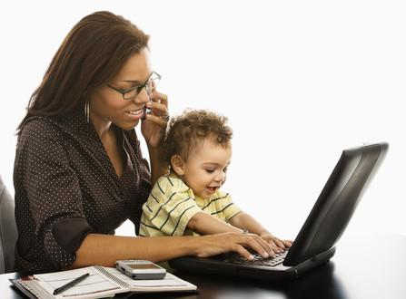 photodune-425459-business-mom-with-baby-xs