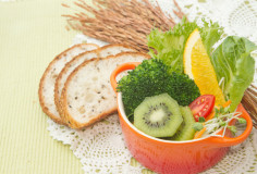 photodune-4398575-fusion-food-fruit-and-vegetable-salad-in-colorful-cup-with-whole-wheat-bread-xs