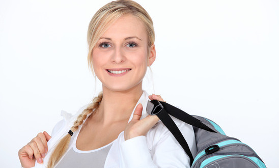 photodune-3628628-blond-woman-with-gym-bag-xs