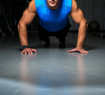 photodune-5414600-man-exercising-in-gym-push-ups-xs