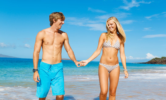 photodune-2305767-couple-on-the-beach-xs