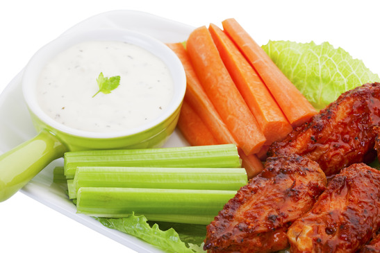 Hot Wings With Vegies and Dip