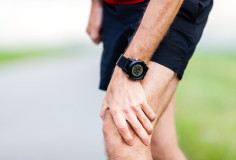 photodune-5808443-running-injury-knee-pain-xs