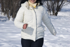 photodune-1081653-woman-running-in-winter-xs