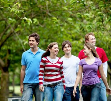 photodune-437538-group-of-people-walking-xs