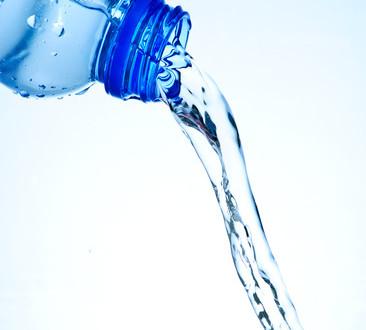 photodune-3937151-water-bottle-xs
