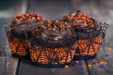 Dark chocolate Halloween cupcakes
