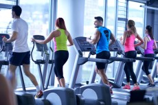 rp_photodune-10686271-group-of-people-running-on-treadmills-xs-230x153.jpg