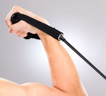 Biceps using resistance band