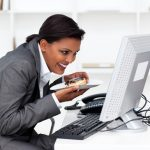 How to Avoid Workplace Snacking Temptation