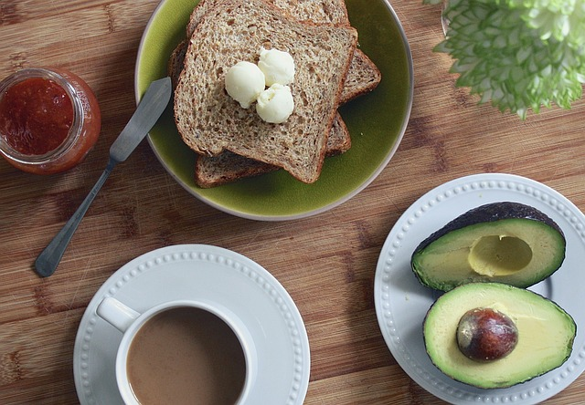 breakfast-1425702_640