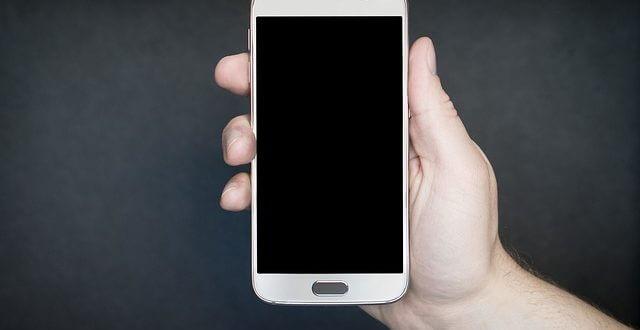 smartphone-1957740_640