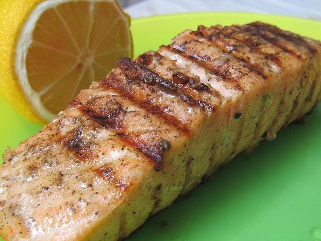 salmon-1025193_640