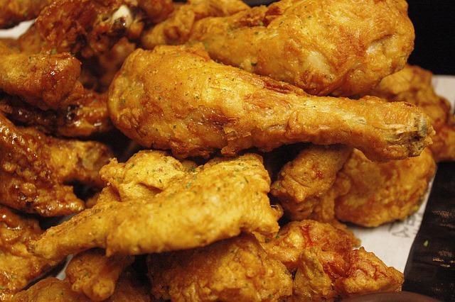 chicken-1218968_640
